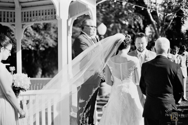 Black & white pic ceremony Vintage Gardens