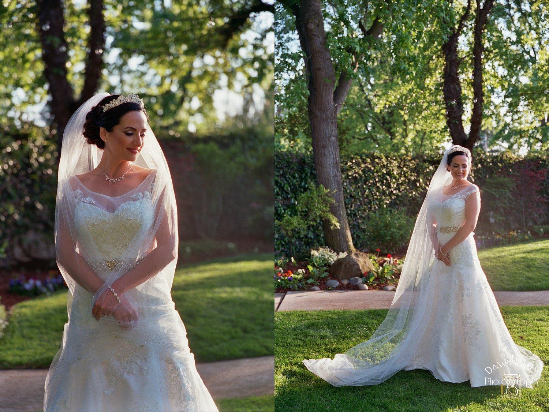 Elegant bride Vintage Gardens